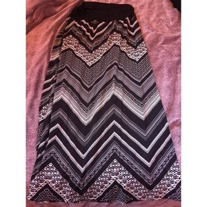AB Studio Chevron Maxi Skirt SZ L 👗
